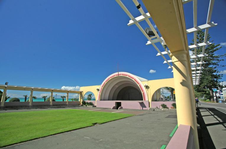 L'espace dédié aux spectacles et aux concerts, sur le front de mer de Napier, est, lui aussi, inspiré par la période Art Déco. Ça n'est pas Woodstock, mais c'est sympa…