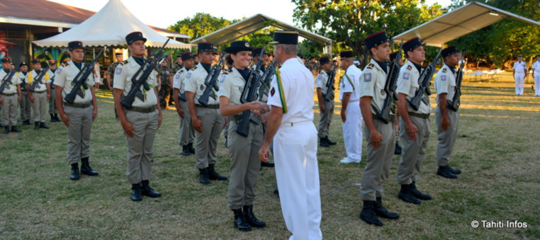 Ces 15 réservistes polynésiens ont été élevés au rang de sergents après avoir été formés à Tahiti
