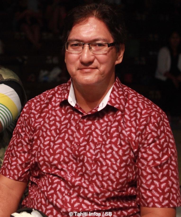 Boxe Thaï - Tahiti vs Cook : Mika Herlaut envoie Tyson Vairoa au tapis