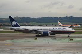 Mexique: une centaine de passagers survivent à un crash au décollage