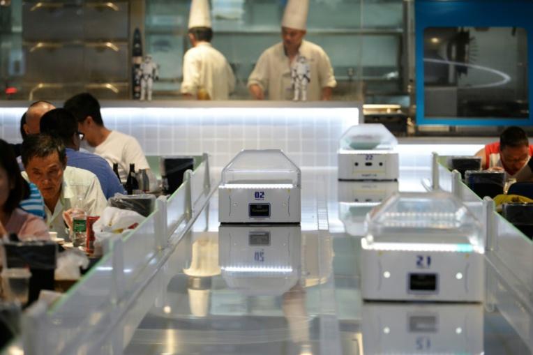 Chine: au restaurant, le serveur est un robot