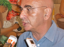 Michel Kops de retour au fenua pour expliquer la TNT