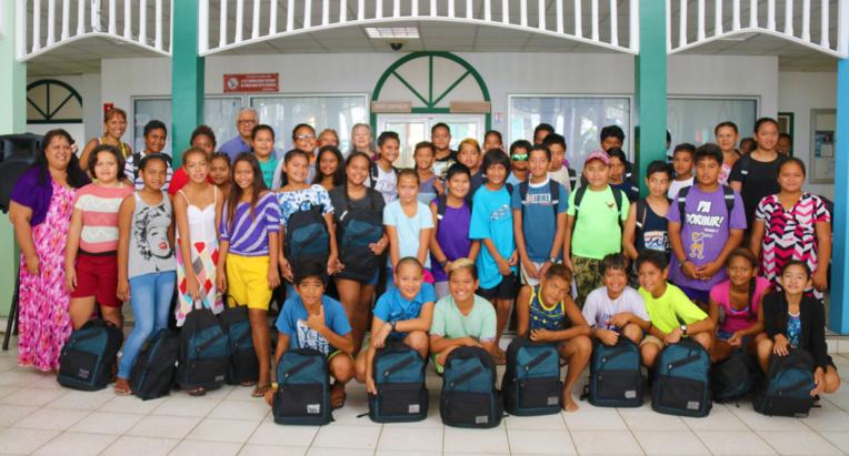 Cette année, le service social de la commune de Paea a choisi 50 enfants pour l'opération cartable. Crédit photo : commune de Paea.