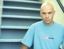 Fredéric BUYLE, Champion du monde d'apnée et acteur principal qui avait été blessé à  FAKARAVA