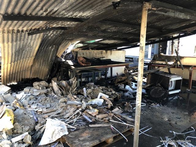 Le premier incendie s'est déclaré dans le quartier Vaitiamanino, sur une maison de 30 m².