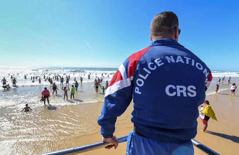 La fin des CRS sur les plages ? Inquiétudes sur le littoral français
