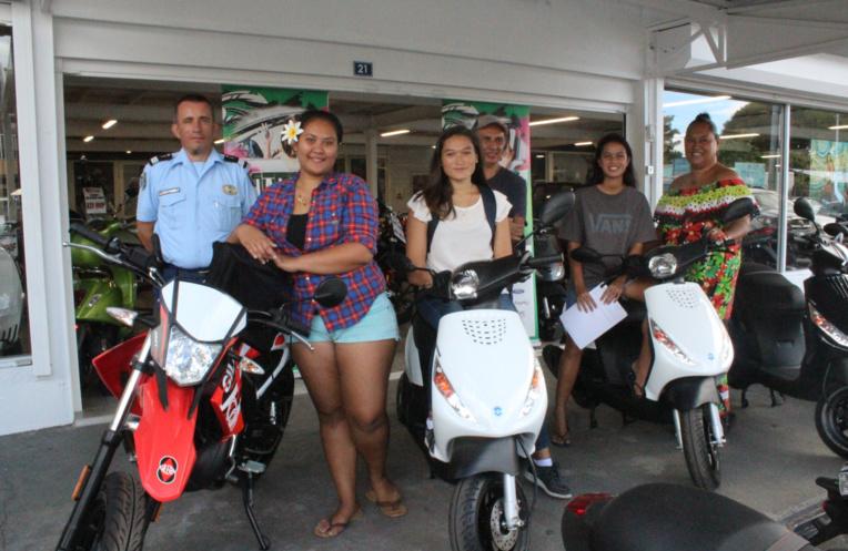Tuuhia Kaleanui, Turina Etinea et Harehoe Hanihere sont reparties au volant de leurs nouveaux engins.