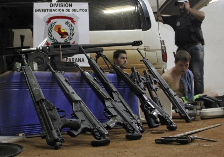 Paraguay: 42 fusils de la police dérobés et remplacés par des jouets