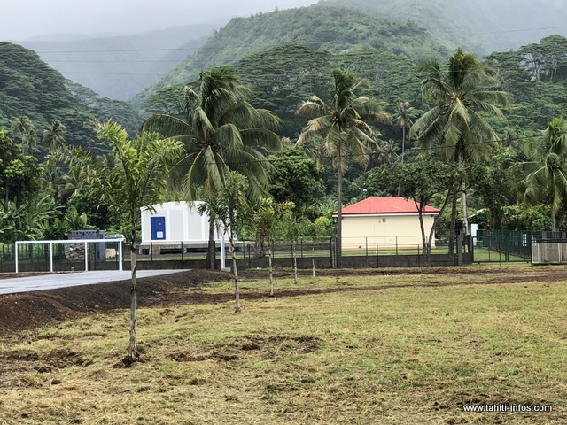 Natitua a été relié à la station terminale de l'OPT à Hitiaa.