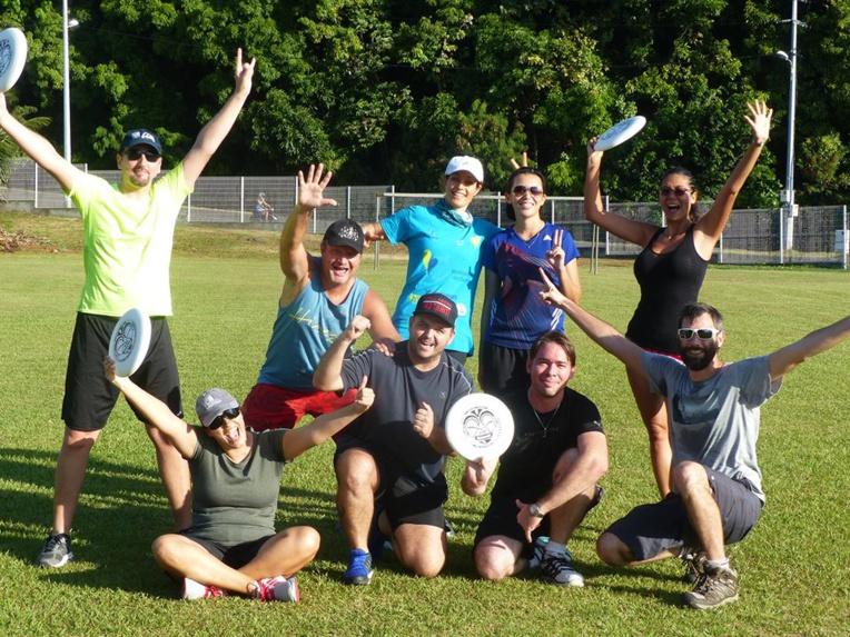 Les principaux atouts de l'Ultimate : des équipes mixtes, un sport étonnamment physique, la possibilité de progresser rapidement au lancer de frisbee, un esprit de fair play omniprésent.