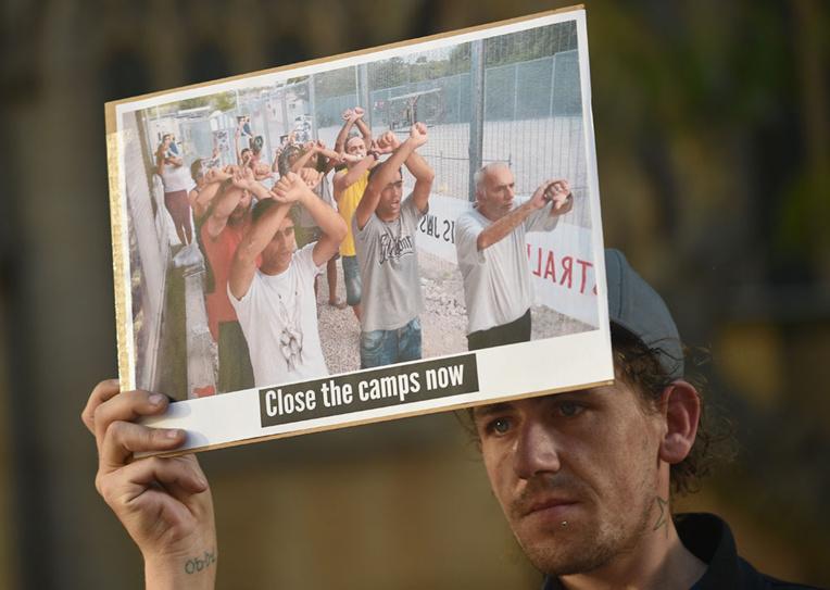 Camps de réfugiés: les dirigeants du Pacifique sommés de faire pression sur l'Australie