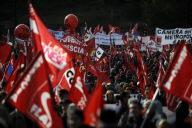 Des dizaine de milliers de manifestants à Rome contre le gouvernement Berlusconi, le 27 novembre
