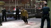 Lancés à leurs trousses, des policiers réquisitionnent la voiture des fuyards