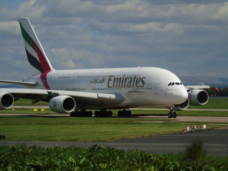 New York: une dizaine de passagers d'un vol Emirates arrivent malades à l'aéroport JFK