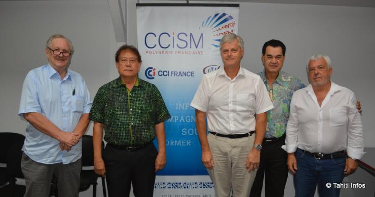 Gérard Kochersperger (vice-président de l'IEDT), Clet Wong (vice-président de la CCISM), Jacques Mérot (président de l'APC), Stéphane Chin Loy (président de la CCISM) et Patrick Bagur (président du Medef).