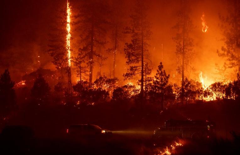 Un nouvel incendie fait rage dans les forêts du nord de la Californie