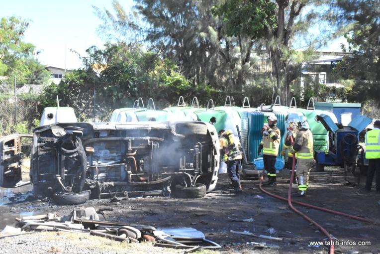 Motu Uta : une épave prend feu pendant une opération de découpe
