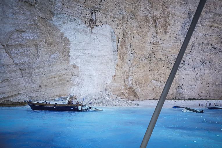 Eboulement sur une célèbre plage de Grèce : 7 blessés dont 4 Tchèques