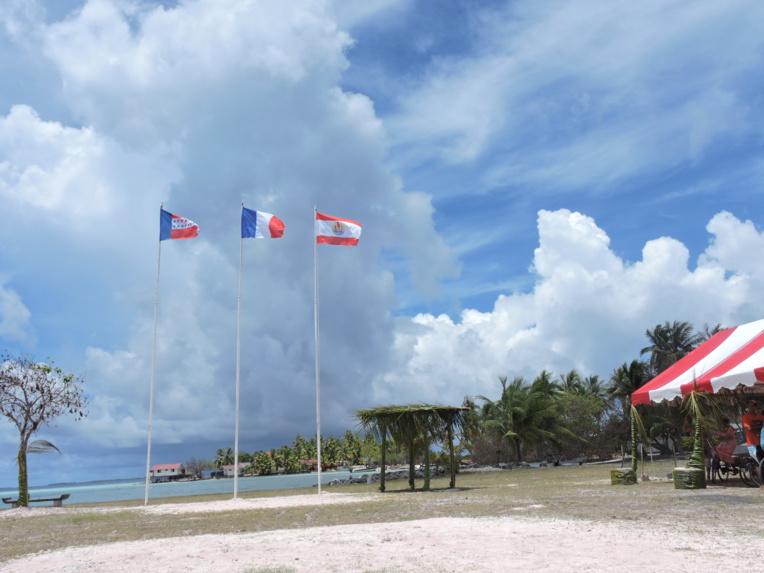 La possibilité pour un conseil municipal de se tenir par téléconférence permettra de réduire les coûts d'organisation pour les communes associées dans les archipels.