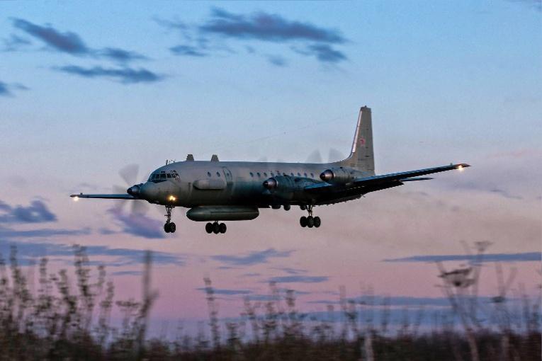 La Syrie abat un avion de son allié russe, Moscou fustige Israël