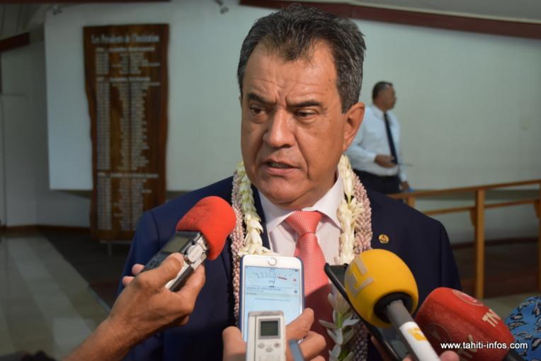 Edouard Fritch, interrogé jeudi matin à Tarahoi à l'issue de la séance solennelle d'ouverture de la session budgétaire 2018.