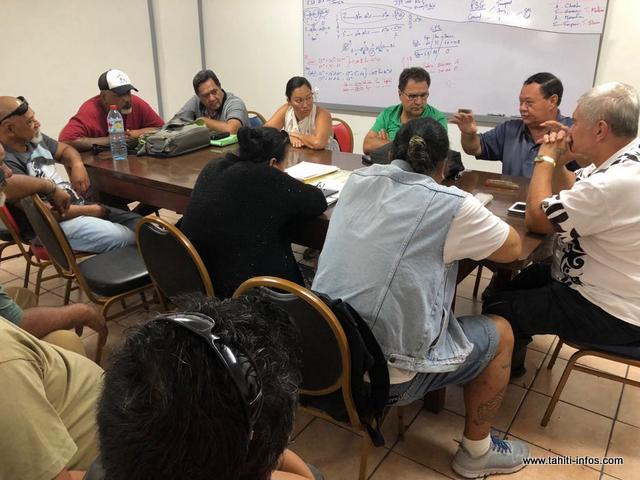 Après le vote du texte à Taraho'i, les syndicalistes se sont retrouvés à leur QG.