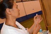 """(photo d'archive) Pour le dépistage de la tuberculose, une infirmière injecte au patient un produit appelé """"tuberculine"""". Les résultats sont visibles en trois jours."""