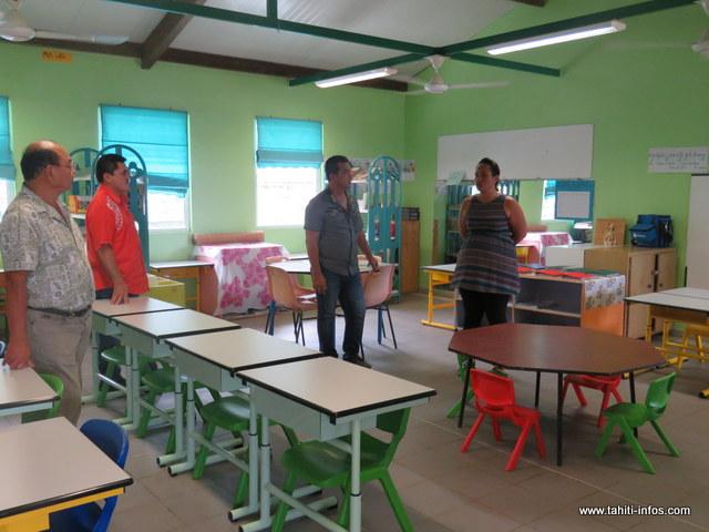 Des nouvelles chaises, tables, meubles et accessoires remplacent ainsi le vieux matériel de l'établissement scolaire.
