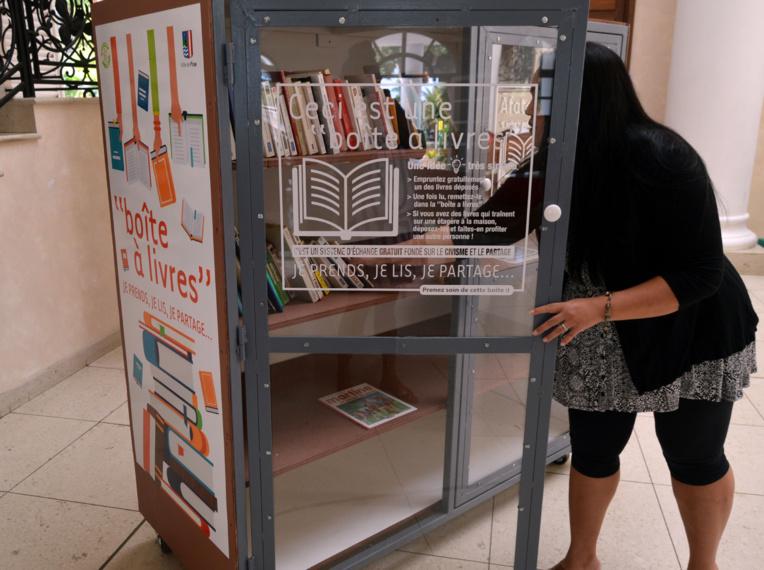 Vous pouvez emprunter ou déposer des livres gratuitement.
