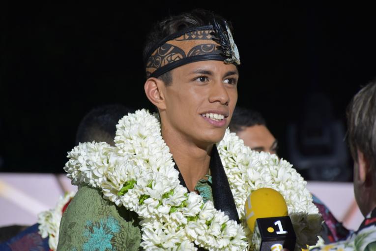 Tamahei Pohoeani, succède ainsi à Kévin Richmond élu plus beau tane du fenua en 2017.