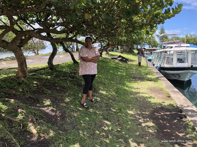 Lorsqu'il pleut, les enfants du fenua 'aihere s'abritent sous ces arbres.
