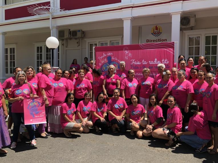 """""""Il est important de rappeler qu'à partir de 50 ans, les femmes peuvent bénéficier d'une mammographie gratuite tous les deux ans"""", a rappelé Jacques Raynal, ministre de la Santé."""
