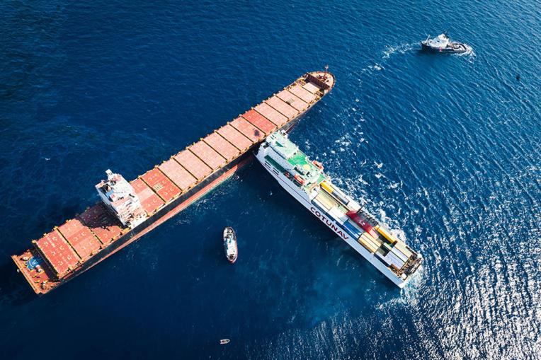 Collision en mer: une nouvelle tentative de désincarcération à l'étude