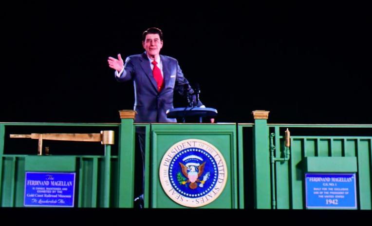 Californie: un hologramme du président Reagan réveille de vieux souvenirs