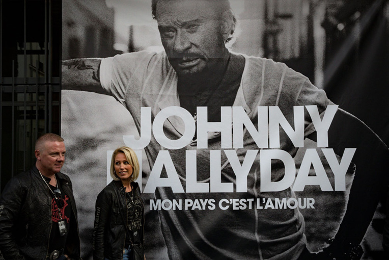 J-2 pour l'album posthume de Johnny, prêt à faire un carton