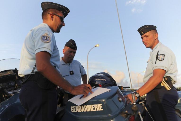 Martinique: Macron ne veut plus de l'emblème au relent esclavagiste des gendarmes