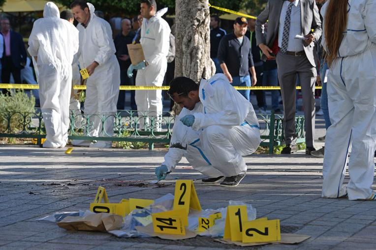 Quinze blessés dans le premier attentat à Tunis depuis 2015