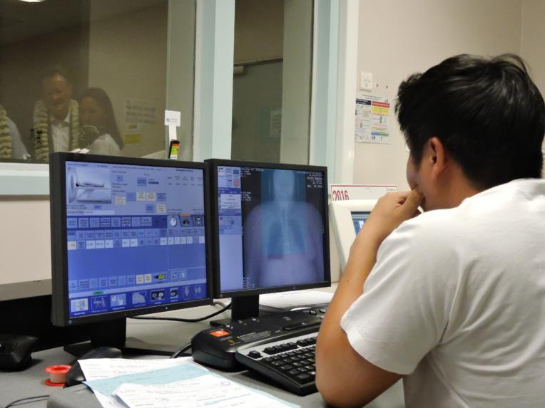 Tous les six mois, le CHPF accueille et forme plus de 40 internes en médecine, et neuf postes d'internes de médecine générale sont affectés à la Direction de la santé.