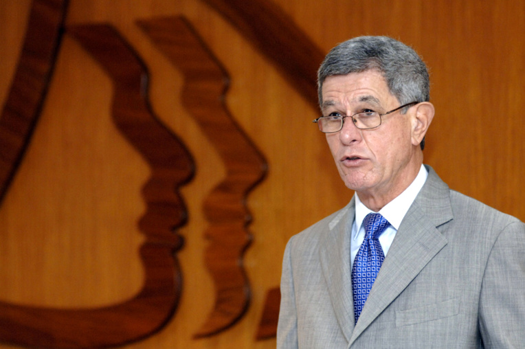 """N-Calédonie : le sénateur Frogier veut """"écarter"""" la possibilité(...)"""