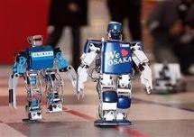 Des petits robots bipèdes en piste pour un marathon de quatre jours au Japon