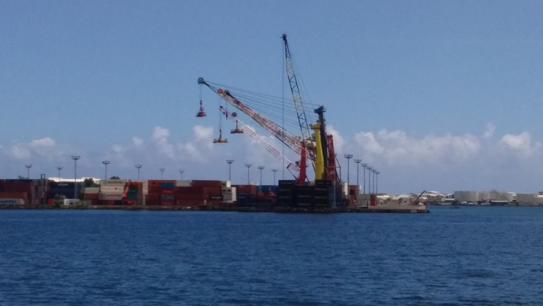 Seule une petite partie des volumes à bord des porte-conteneurs sont pour la Polynésie.