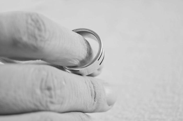 Divorce pour séparation de fait: les députés raccourcissent le délai à un an