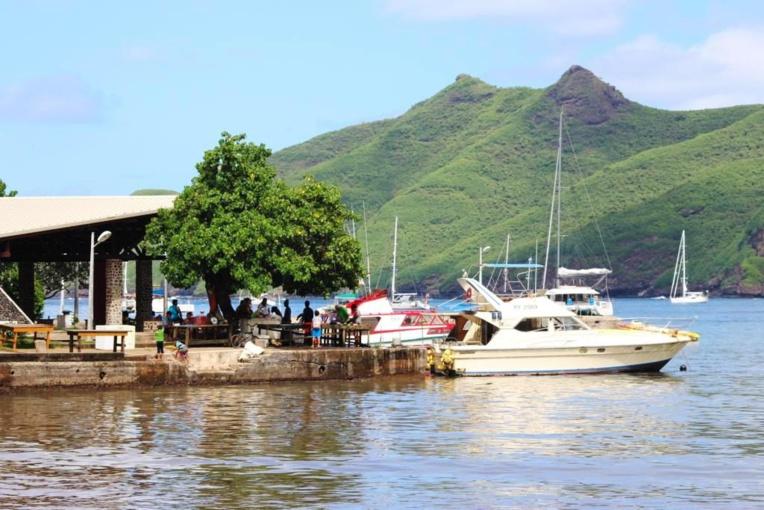 Le statut d'aire marine protégée pour les Marquises aurait pu devenir un atout pour les Marquises au niveau éco-touristique et aussi dans sa démarche d'inscription au patrimoine mondial de l'Unesco.