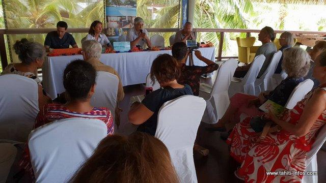 À quelques jours de l'ouverture du salon du livre, les auteurs et éditeurs ont pris le temps de se connaitre, lors d'une conférence de presse qui a été donnée ce mardi, au Tahiti Pearl Beach Resort, à Arue.