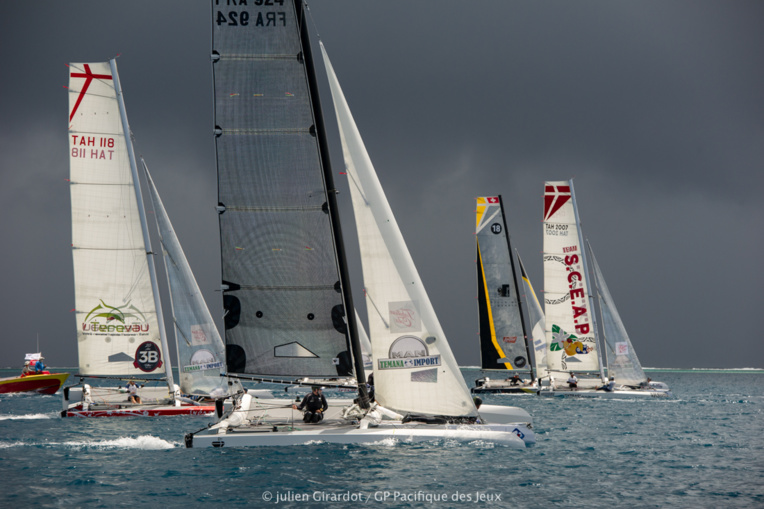 La course se déroule dans le décor féerique des îles sous le vent