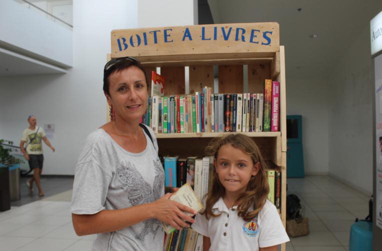 Carole et sa fille de 10 ans, Aïnoa.