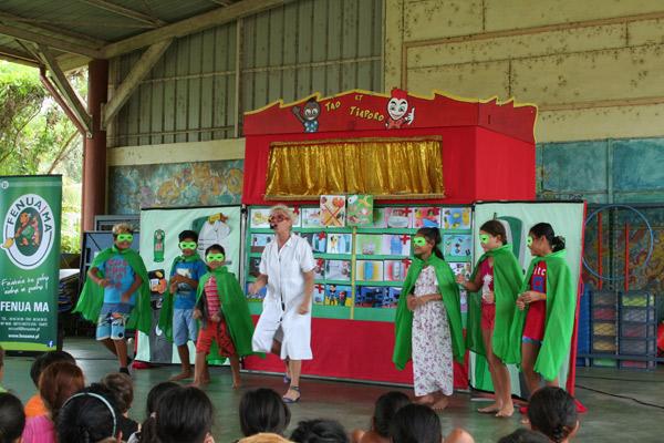 Le spectacle est entièrement gratuit pour les écoles.
