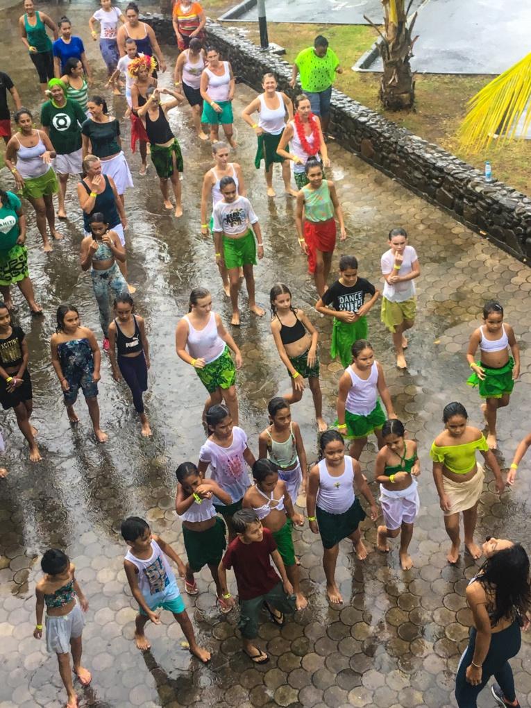 'Ori Tahiti zumba marathon : 200 lutins dansent sous la pluie avec le sourire !