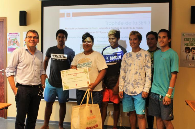 Les élèves du lycée professionnel de Faa'a ont remporté en 2017 le trophée de la Serd au niveau national pour la construction d'une voiture en kit.