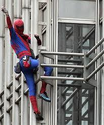 Dubaï : le Spiderman français s'attaque lundi à la plus haute tour du monde